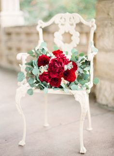 Red bouquet: http://www.stylemepretty.com/little-black-book-blog/2015/02/06/romantic-cranberry-dusty-blue-wedding-inspiration/ | Photography: Mint - http://mymintphotography.com/