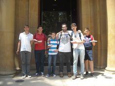chicos con trastorno TEA y yo en una visita al Museo Arqueológico de Murcia - MAM