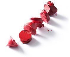 Red lipsticks. Classic. Style: Riikka V. Photo: Kimmo Lehtonen.