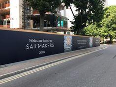 Millharbour: gráficos de acaparamiento y cajas de luz a medida, Construction Branding, Construction Signs, Banner Design, Layout Design, Hoarding Design, Real Estate Signs, Brochure Inspiration, Billboard Design, Long Walls