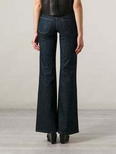RALPH LAUREN BLACK Calça jeans azul  R$ 2.680,00R$ 1.340,00 12 x R$ 111,67 http://ad.zanox.com/ppc/?30691238C18628954&ULP=[[http://www.farfetch.com/br/shopping/women/ralph-lauren-black-calca-jeans-azul-item-10709451.aspx?storeid=9530&ffref=lp_137_&utm_source=zanox&utm_medium=Display&utm_campaign=custom_deeplink]]