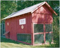 Free 1895 Chicken House Plans -  Use free plans from Tarter Farm and Ranch Equipment to build a reproduction of a big, practical chicken house from an old Kentucky farmstead. (Photo: TarterUSA.com)