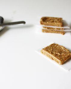 Cinnamon almond bars, kid-friendly, take 2 minutes.