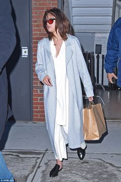 Long day? Later, Selena was spotted alone after completing a photoshoot...
