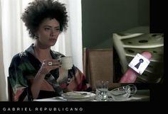 A atriz Ana Flávia Cavalcanti veste o anel Mistérios, de Gabriel Republicano, na novela Além do Tempo.
