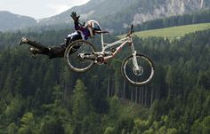 Flying...- get your downhill gear at http://downhill.cybermarket24.com