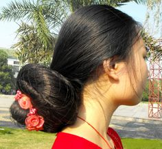 Feng Ye with a huge bun Roll Hairstyle, Bun Hairstyles For Long Hair, Teen Hairstyles, Beautiful Long Hair, Amazing Hair, Long Indian Hair, Finger Wave Hair, Hair Magazine, Short Hair Styles