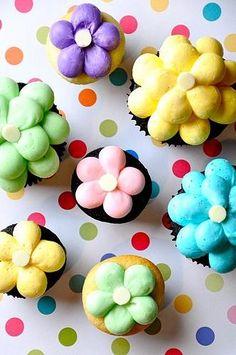 Flower cupcakes:)