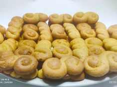Μυρωδάτα κουλουράκια βουτύρου με μέλι συνταγή από Phoebe Georgiadou - Cookpad