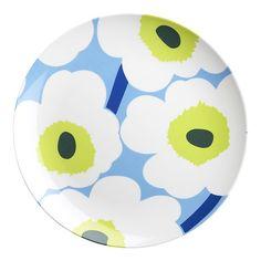 Marimekko Unikko Green and Blue Melamine Plate - modern - dinnerware - Crate Picnic Plates, Party Plates, Dinner Plates, Summer Party Themes, Modern Dinnerware, Beach Picnic, Blue Plates, Marimekko, Outdoor Dining