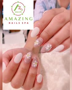 Short round nails with beautiful hand-painted flower designs Short Round Nails, Flower Nail Designs, Amazing Nails, Nail Spa, Flower Nails, Beautiful Hands, Fun Nails, Hand Painted, Flowers