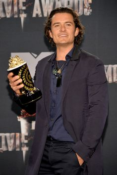 Orlando Bloom wears all Lanvin at the MTV Movie Awards. Stylist - Cher Coulter / Starworks Artists.