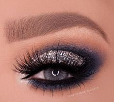 Homecoming makeup The Effective Pictures We Offer You About smokey eye makeup gray A quality picture Navy Eye Makeup, Smokey Eye Makeup, Eyeshadow Makeup, Navy Blue Dress Makeup, Makeup To Go With Black Dress, Navy Blue Eyeshadow, Prom Make Up For Blue Dress, Black Makeup, Smoky Eye