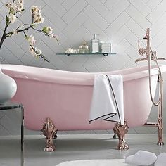 A pink bathroom dream! ✨ Does anyone know the source? If so, please let me know. #bathroom #badrum #pink #rosa #inredning #interior #interiordesign #romantic #inspiration #instagood #homedecor #luxury #love