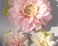 Set of 3 Giant Paper Flowers L Pink / by especiallyforyoubyyw