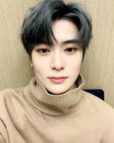 """""""anyways in case if you dont know yet im a jaehyun stan (psst nctjay) ok night im tired T_T"""""""