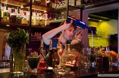 veronicaorellano.blogspot.com.ar  #fotografia #nikon #bar #subexpuesto #tragos #drinks #barman #bartender  https://www.flickr.com/photos/v_orell/shares/782yuT   Las fotos de Verónica O