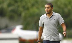 Santos libera voltante Adriano para o Grêmio