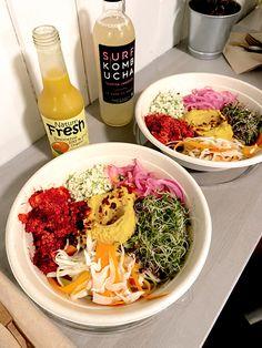 #happyfoodsoslo #plantbased #lunch #vegan #veganfood #rawfood #hummus Happy Foods, Raw Food Recipes, Hummus, Lunch, Organic, Healthy, Ethnic Recipes, Raw Recipes, Eat Lunch