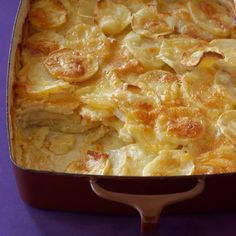 Gratin dauphinois : Recette du parfait gratin dauphinois - Expolore the best and the special ideas about French recipes Patate Dauphinoise, Naan, Gratin Dauphinois Recipe, Beignets, Fun Cooking, Cooking Recipes, Nutella, Parfait, My Best Recipe