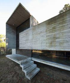 Pedroso House / María Victoria Besonías + Luciano Kruk