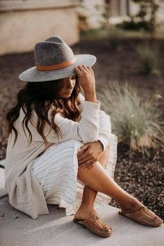 Gigi pip hats for women- scottie gray -stiff wide brim hat-summer hats Women's Dresses, Fashion Dresses, Fashion Clothes, Dresses Online, Wedding Dresses, Estilo Hippie Chic, Summer Hats For Women, Womens Fall Hats, Wide Brim Fedora