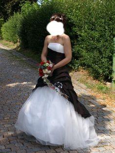 Complicité Bourgogne http://www.wunsch-brautkleid.de/Hochzeitskleid-Complicit�-Weiss-groesse-36-Gebraucht-fuer-500euro-3871.html