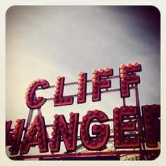 Cliff Hanger ride