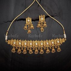 Designer antique necklace plated with synthetic stones and made of copper alloy, plated with gold polish Real Gold Jewelry, Gold Jewellery Design, Indian Jewelry, Unique Jewelry, Antique Necklace, Antique Jewellery, Jewelry Patterns, Wedding Jewelry, Handmade Jewelry