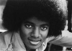 michael jackson | ... images4.fanpop.com/image/photos/15000000/MJ-michael-jackson-15004