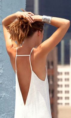 backless + white.