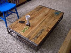 Industrial Pallet Coffee Table - Vintage Industrial Furniture - For hubby Coffee Table With Wheels, Vintage Industrial Furniture, Industrial Metal, Coffee Table Design, Coffee Tables, Wood Pallets, Pallet Wood, Pallet Bar, 1001 Pallets