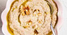 Perunasta syntyy mainio ja edullinen dippi, joka sopii loistavasti isojen juhlien tarjoiluun. Hummus, Cooking, Book, Ethnic Recipes, Kitchen, Book Illustrations, Books, Brewing, Cuisine