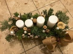 Adventgesteck weiß, rustikal 2017 Advent, Christmas Wreaths, Table Decorations, Holiday Decor, Furniture, Home Decor, Rustic, Christmas Garlands, Homemade Home Decor