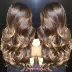 Ombré/balayage dark chocolate at roots caramel mid shaft and honey at the ends… Ombre Hair Color, Hair Color Balayage, Bayalage, Honey Balayage, Honey Hair, Brown Hair With Highlights, Pretty Hairstyles, Hair Inspiration, Curly Hair Styles