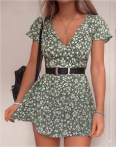 Looking for designer woman's fashion for cheap? Check out these 21 affordable online boutiques to update your wardrobe with high-end clothing on a budget. You'll be able to find woman's dresses, tops, bottoms, swimwear, jewelry and accessories and more at budget friendly prices. #fashion #boutique #womansclothes Spring Dresses Casual, Casual Summer Outfits, Classy Outfits, Stylish Outfits, Spring Outfits, Cool Outfits, Spring Clothes, Cute Outfits For Teens, Trendy Fall Outfits