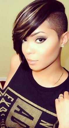 25 Chin Length Bob Hairstyles That Will Stun You in 2019 - Style My Hairs Shaved Side Hairstyles, Wedge Hairstyles, Cute Hairstyles For Short Hair, Bob Hairstyles, Short Hair Cuts, Short Hair Styles, Black Hairstyles, Ladies Hairstyles, Braided Hairstyles