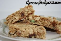 MYO: Chewy Granola Bars- We love granola bars, they're fast, they're simple, easy to carry, easy to pack, make great snacks- but I HATE the price. Have you noticed how the major brand name granola bars have gone from a 2 inches wide to about 3/4 of an inch wide?? Ditch the box and try these, you won't go back! (Click on photo for recipe)
