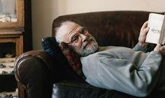 Oliver Sacks, neurologist, humanist, writer, music lover and avid botaniser. Albert Camus, Oliver Sacks, Mind Reading Tricks, Celebrities Reading, Literary Genre, Book Review, Law Of Attraction, Awakening, Writers