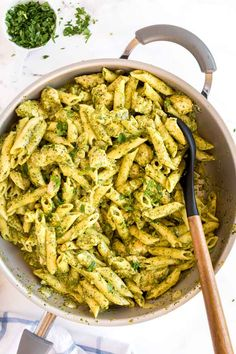 Pesto Pasta Recipes, Creamy Pesto Pasta, Basil Pesto Chicken Pasta, Pesto Sauce For Pasta, Basil Pesto Sauce, Pasta With Basil, Cream Chicken Pasta, Chicken With Pesto Sauce, Spinach Pesto Pasta