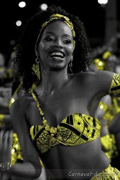 . Black White Photos, Black And White, Carnival Spirit, Samba Costume, Brazil Carnival, World Festival, African Women, Art Music, Belly Dance