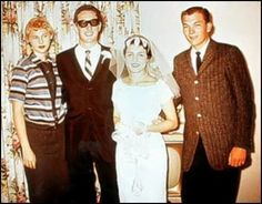 Buddy Holly with bride Maria Elena and Peggy Sue and Jerry Allison on his wedding day August Best Song Ever, Best Songs, Beautiful Songs, Most Beautiful, Buddy Holly Musical, Holly Pictures, Ritchie Valens, And Peggy, Billy Joel