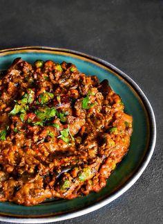 Super Fast Mushroom Baingan Masala (Indian Style Mushrooms-Eggplant/Aubergine Stir Fry) from Easy Cooking With Molly #veganrecipes #veganlife #meatlessmonday