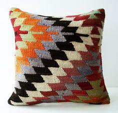 Sukan / SOFT Hand Woven - Turkish Kilim Pillow Cover - 16x16.