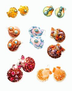 Conchiglie ispirate a Fulco di Verdura Annarita Vitali working vintage materials in forms and styles of the past to reminisce through the jewelery , fashions and trends that have characterized the history of the twentieth century Swarovski, Jewelery, Stud Earrings, Beads, Bologna, Inspiration, Accessories, Aesthetic Sense, Beading Ideas