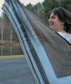 Ravelry: Fibonacci Drops Shawl pattern by Lindsay Lewchuk; the Golden Ratio and dropped stitches on purpose - what could be more cool? Arm Knitting, Knitting Patterns, Knitting Ideas, Knitting Projects, Number Patterns, How To Purl Knit, Knit Purl, Crochet Shawls And Wraps, Color Change