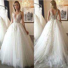 A couture wedding dress like this can be recreated with any changes. Custom #weddingdresses & #replicas avail at www.dariuscordell.com