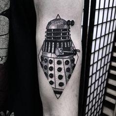 """""""Burpibrebzy@Gmail.com www.burpibrebzy.com  #blackworkerssubmission #darkartists #onlyblackart #btattooing #blacktattooart #dalek #doctorwho #tattsketches…"""" Pin Up Tattoos, Black Tattoos, New Tattoos, Cool Tattoos, Piercing Tattoo, I Tattoo, Tardis Tattoo, Glasses Tattoo, Doctor Who Tattoos"""