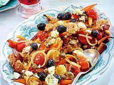 Blitz-Brotsalat Greek Style Rezept-F6172204 American Buffet, Yogurt Ranch Dressing, Greek Orzo Salad, Blt Pasta Salads, Summer Pie, Summer Days, Grill Party, Party Buffet, Party Snacks
