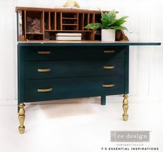 Green Furniture, Vintage Furniture, Diy Furniture, Turquoise Painted Furniture, Green Desk, Green Paint Colors, Iron Orchid Designs, Wooden Tags, Secretary Desks